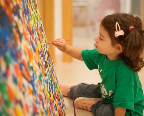 source: http://www.demicasaalmundo.com/blog/todo-lo-que-no-sabes-sobre-los-dibujos-de-tus-hijos/